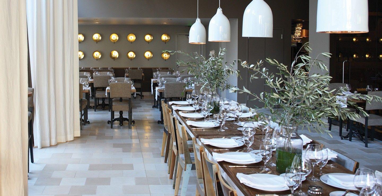 UXUS_Ella Dining Room