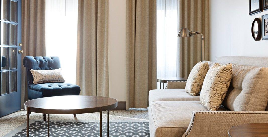 UXUS_Warwick Hotel